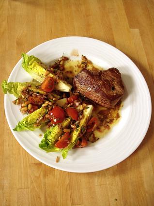 Recette de pavé de bœuf piqué au chorizo et sauce vierge