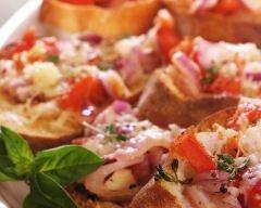 Recette toast maison au pesto, bacon, tomate et fromage