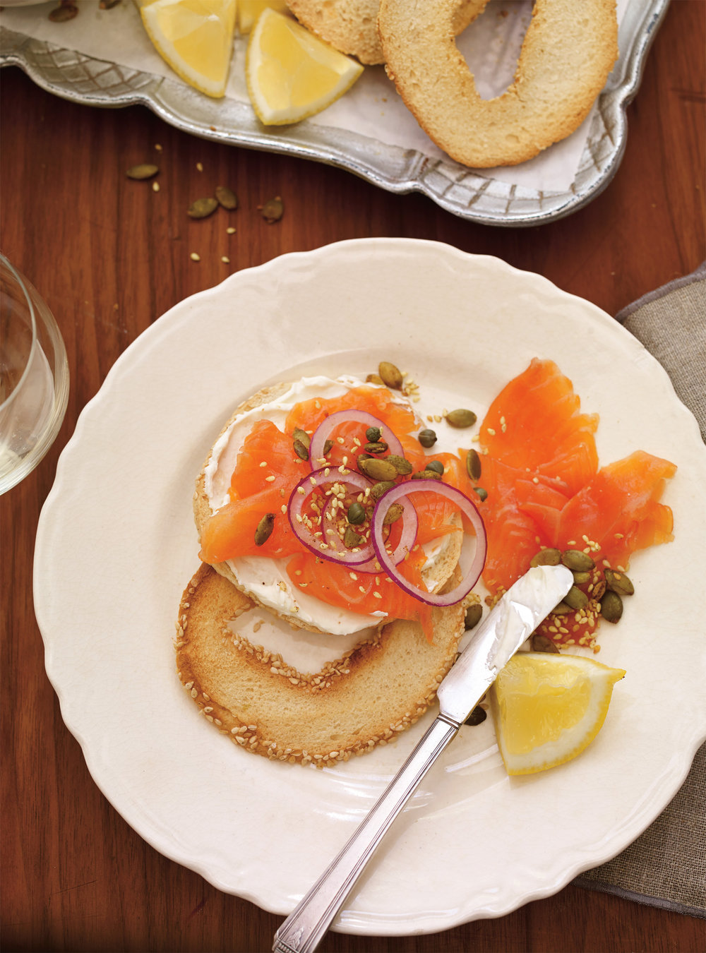 Gravlax de saumon la betterave facile rapide une - Saumon gravlax rapide ...