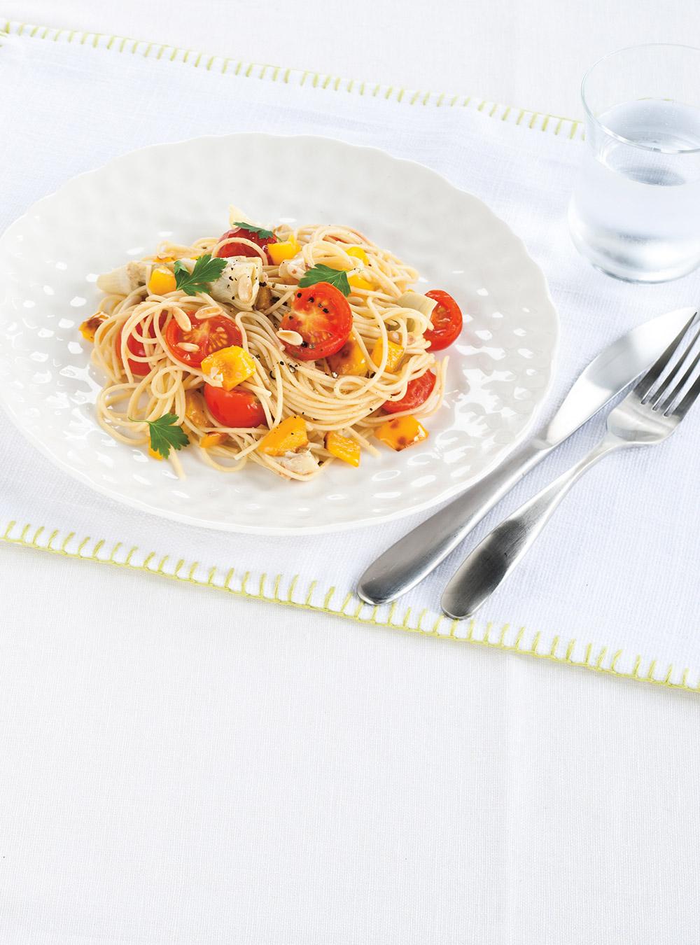 Spaghettis aux tomates fraîches et aux artichauts | ricardo
