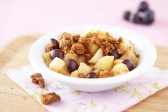 Recette de crumble de pommes et poires à la cannelle et aux raisins