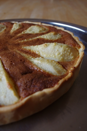 Recette de tarte amandine aux poires sauce chocolat-amaretto