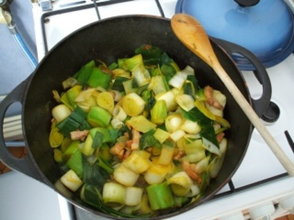 Recette de fondue de poireaux et lardons fumés au curry