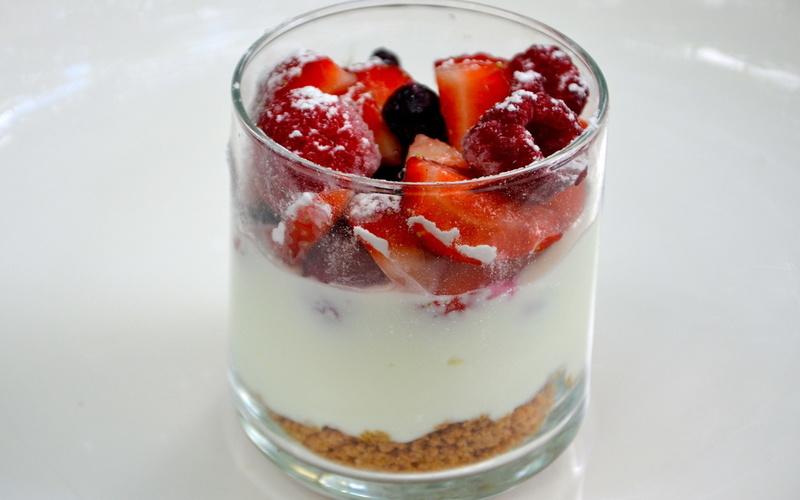Recette verrines aux fruits rouges économique et rapide > cuisine ...