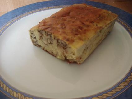 Recette de cake aux et noix et au roquefort