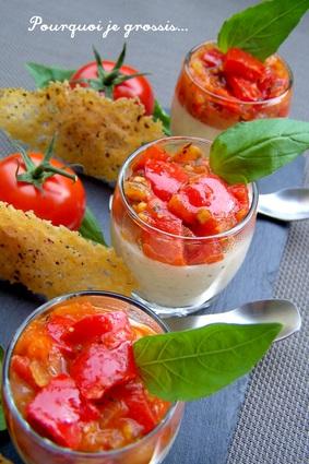 Verrines de panna cotta au parmesan, tomates-poivrons et tuiles ...