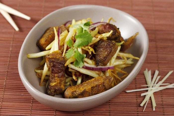 Recette de wok de boeuf au curcuma et à la citronnelle facile et rapide