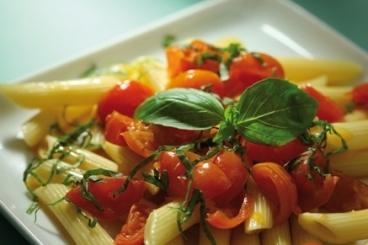 Recette de penne sauce tomate express aux tomates cerises et ...