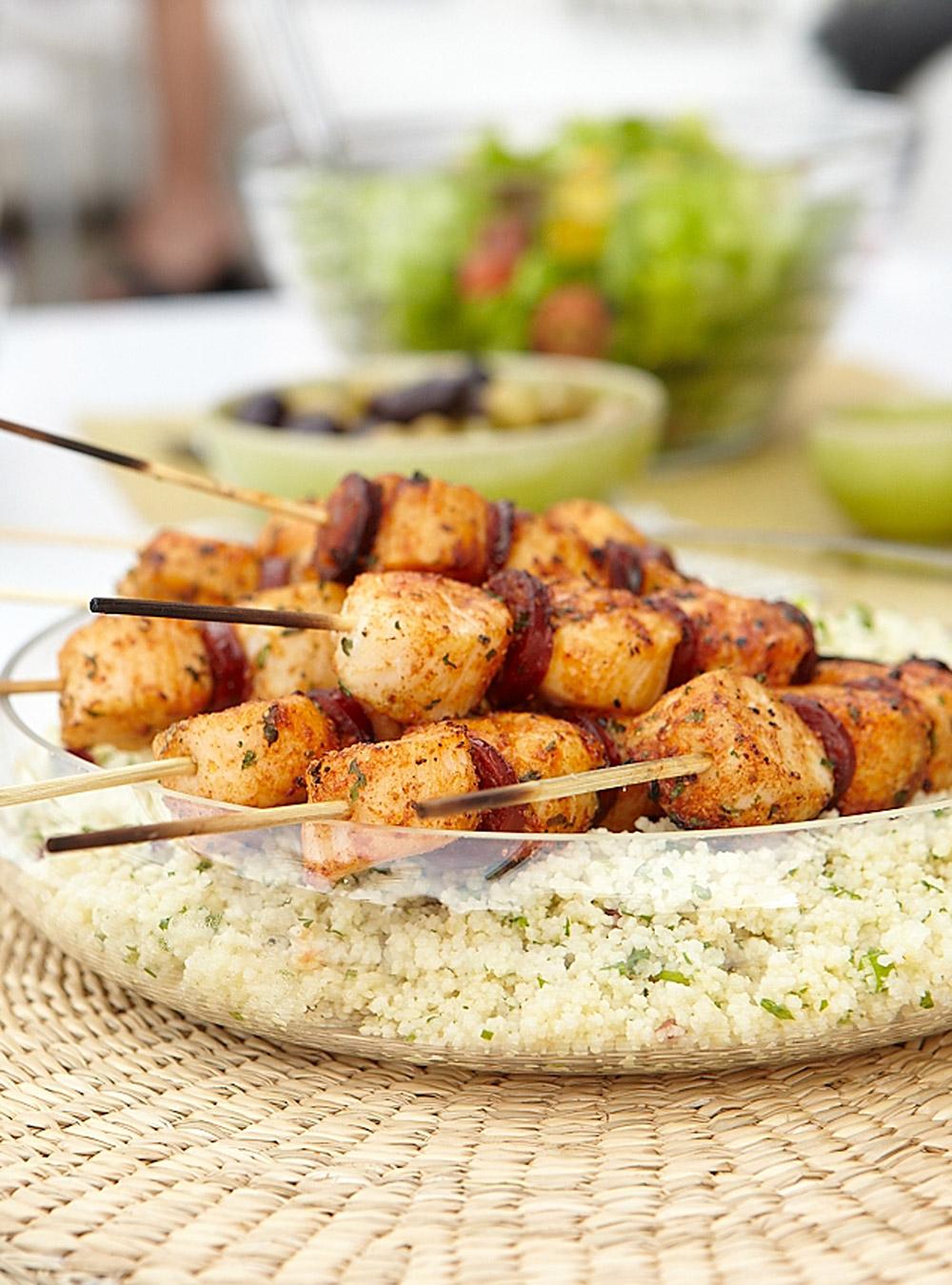 Brochettes de pétoncles à la marocaine et chorizo grillé | ricardo