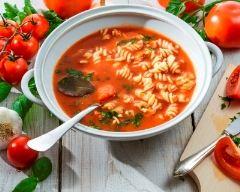 Recette soupe de pâtes à la tomate et au basilic