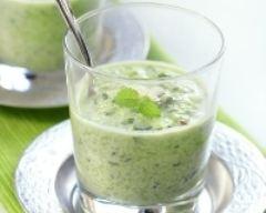 Recette soupe glacée de courgettes au chèvre frais et olives noires