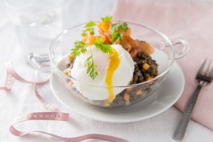 Recette de salade de lentilles au saumon fumé et oeuf poché rapide