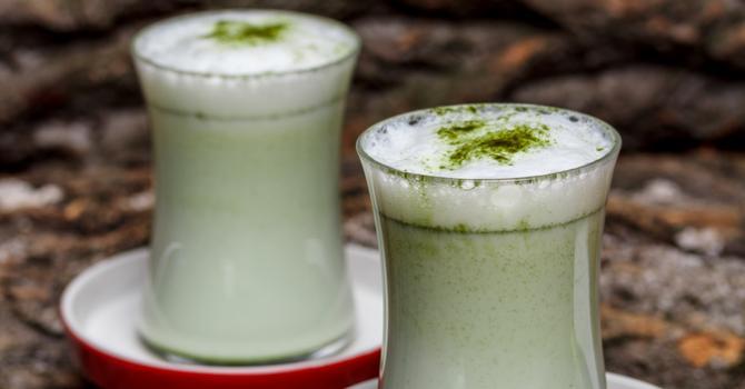 Recette de smoothie au thé vert, banane et érable