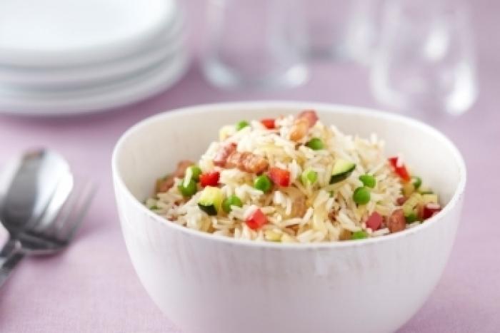 Recette de riz sauté aux légumes et aux lardons facile et rapide
