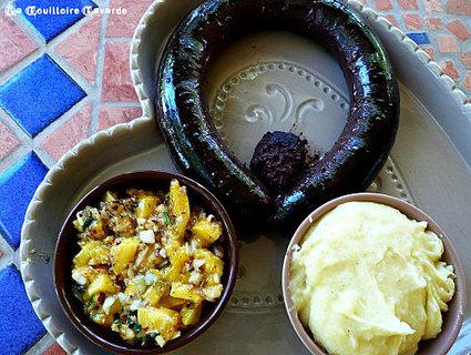 Recette de boudin noir et salsa de mangue aux amandes