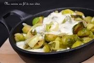 Poêlée de choux de bruxelles et poireaux, béchamel au curry