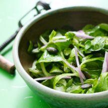 Salade de mâche aux échalotes et zeste de citron