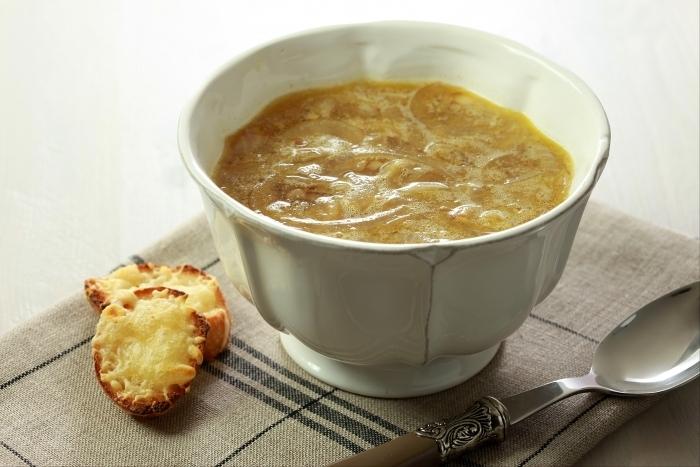 Recette de soupe à l'oignon facile et rapide