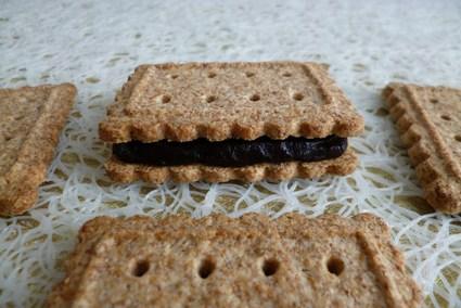 Recette de biscuits diététiques au bambou fourrés au cacao noir