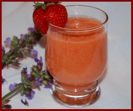 Recette de smoothie pêche-fraise-orange