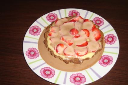 Recette de tartelette fraise-spéculoos-chocolat blanc caramel