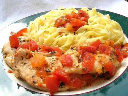 Recette de blanc de poulet au pistou et à la tomate