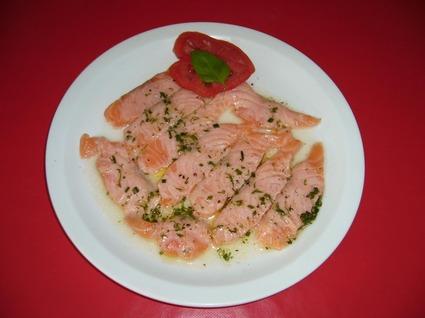 Recette de saumon mariné au citron, aneth et ciboulette