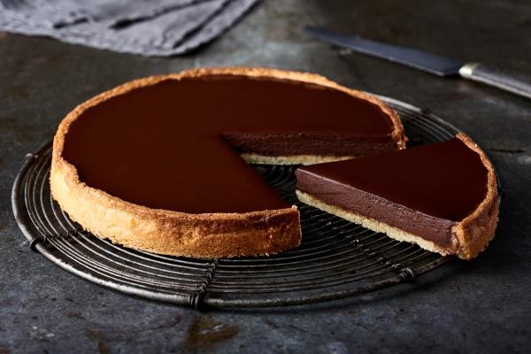 Recette de tarte au chocolat intense, pointe de combava rapide