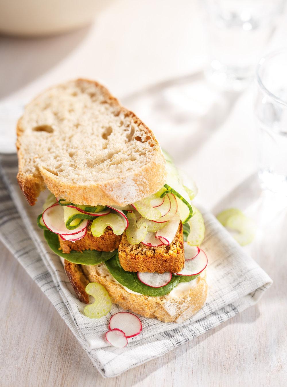 Sandwich au végé-pâté et légumes croquants   ricardo