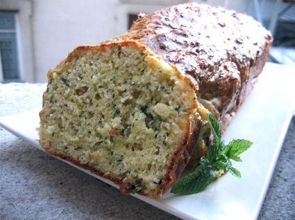 Recette de cake aux courgettes et parmesan