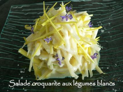 Recette de salade croquante aux légumes blancs