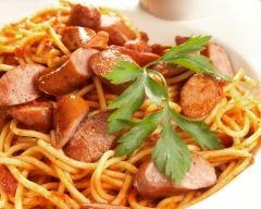 Recette spaghetti aux saucisses et à la sauce tomate