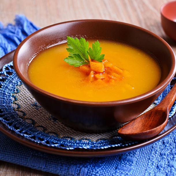Recette velouté simple aux pommes de terre, carottes et poireaux ...