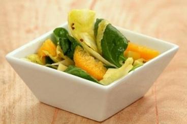 Recette de salades de pousses d'épinard, endives, orange et comté ...