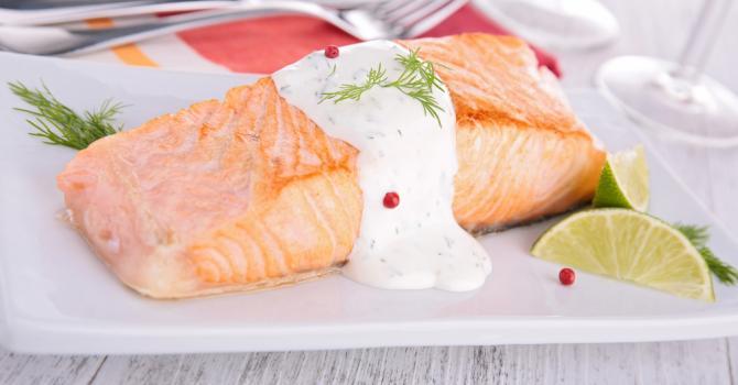 Recette de pavé de saumon à la sauce légère au vin blanc
