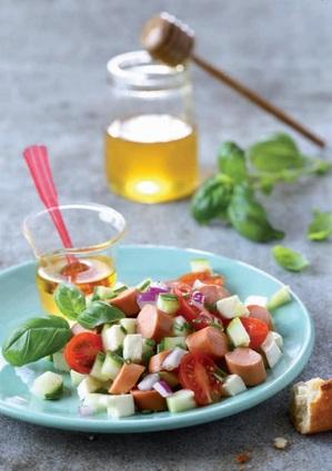 Recette de salade craquante aux knacki®, tomates cerises et burrata