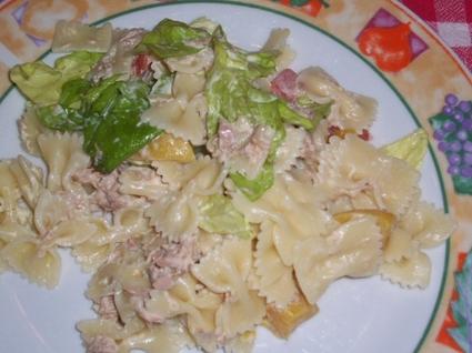 Recette de salade de pâtes au thon et pêches à la mayonnaise