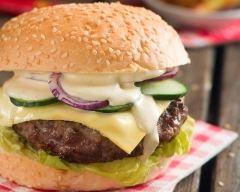 Recette hamburger au boeuf et aux oignons rouges