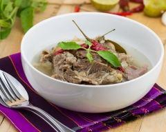 Recette soupe de bœuf au curry, gingembre et coriandre
