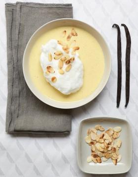 Oeufs à la neige, crème à la vanille pour 6 personnes