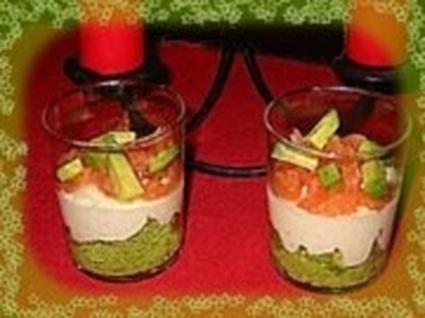 Recette de mousse d'avocat sur crème de saumon en verrines