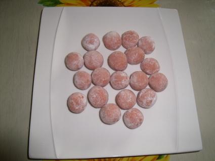 Recette de boules roses aux biscuits de reims
