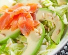 Recette salade au saumon et avocats