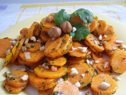 Recette de carottes sautées aux noisettes grillées