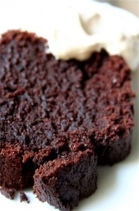 Recette de gâteau ultra moelleux au chocolat avec sauce