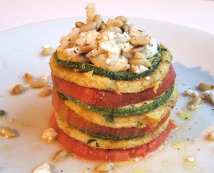 Recette de millefeuille d'omelette tomate-courgette-chèvre