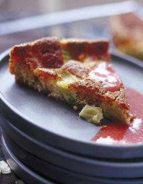 Gâteau amandes-rhubarbe et son coulis de fraises pour 6 ...
