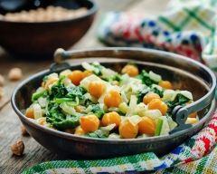 Recette salade de pois chiches et oignons aux 3 épices