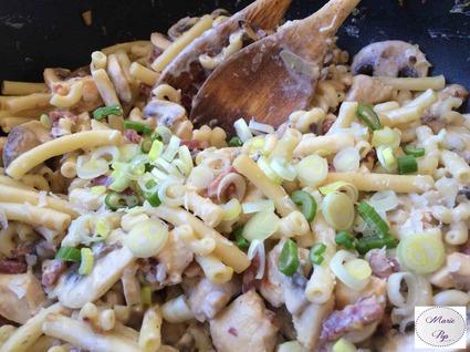 Recette de poêlée de pâtes au poulet et bacon