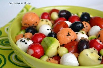 Recette de salade melon, mozzarella, tomates cerise, olive, radis ...
